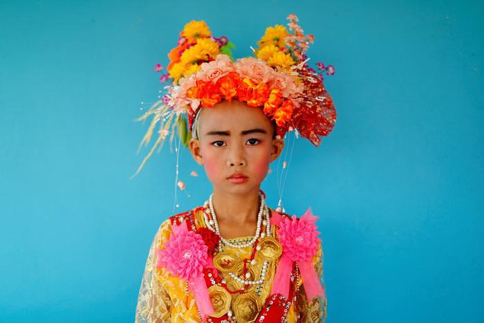 Nghi lễ 'Quy y cửa Phật' của những cậu bé xinh như hoa ở Thái Lan - Ảnh 10.