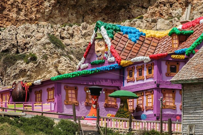 Kỳ bí ngôi làng của thủy thủ Popeye ở Malta - Ảnh 4.