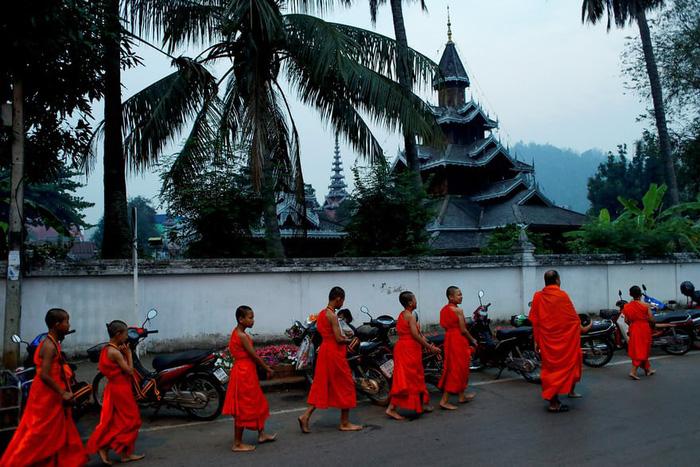 Nghi lễ 'Quy y cửa Phật' của những cậu bé xinh như hoa ở Thái Lan - Ảnh 11.