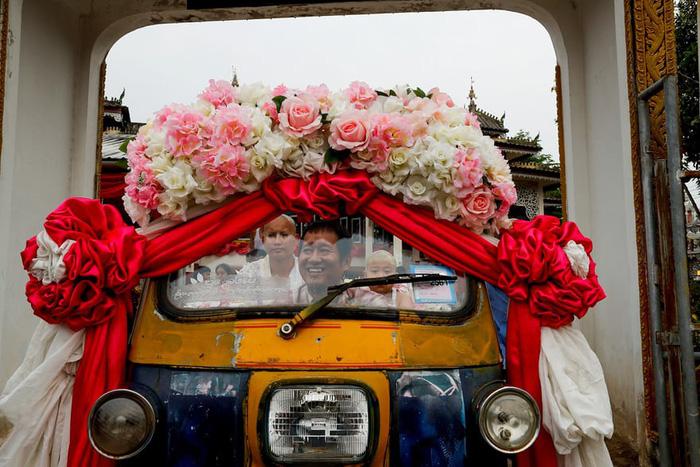 Nghi lễ 'Quy y cửa Phật' của những cậu bé xinh như hoa ở Thái Lan - Ảnh 7.