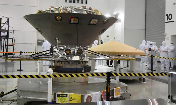 NASA phóng tàu vũ trụ lắng nghe 'lời thì thầm của sao Hỏa' - Ảnh 1.