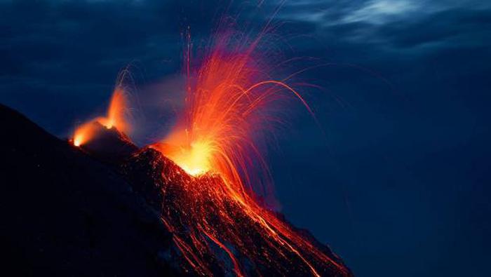 7 điều cần nhớ để bảo toàn tính mạng khi xem núi lửa - Ảnh 3.