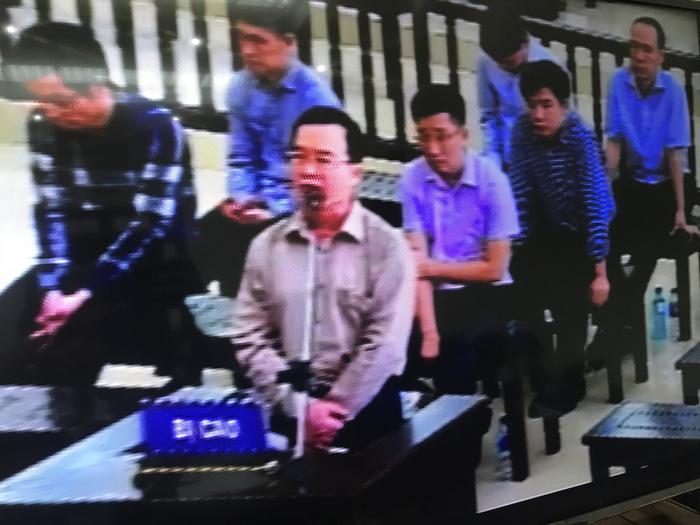 Vụ án ông Đinh La Thăng: Ở PVC đưa tiền thoải mái, không cần giấy tờ - Ảnh 1.