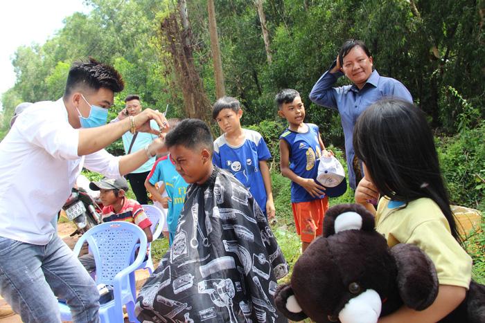 Ngày 1-6 ý nghĩa của 80 trẻ ở bãi rác trên đảo Phú Quốc - Ảnh 4.