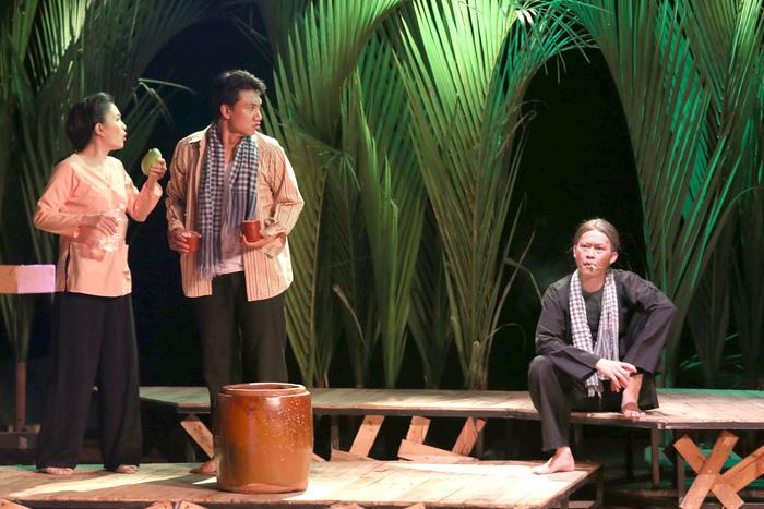 Đạo diễn Minh Nhật: Đoạt giải nhưng không mất tỉnh táo - Ảnh 1.