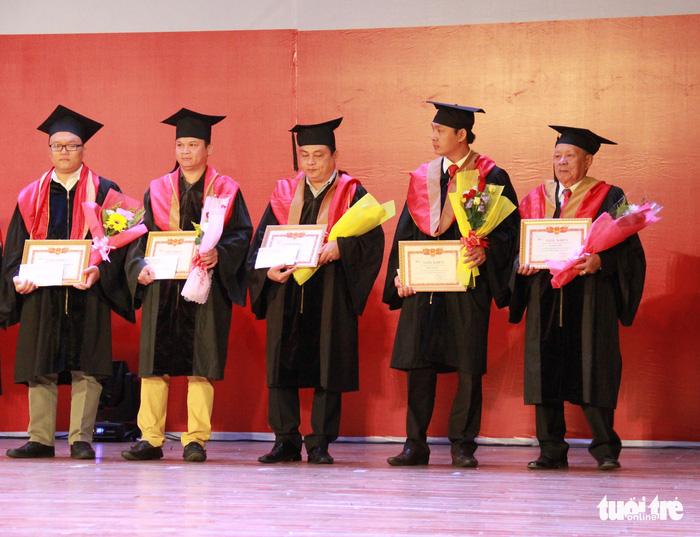 Cụ Lê Phước Thiệt hoàn thành giấc mơ thạc sĩ ở tuổi 85 - Ảnh 6.