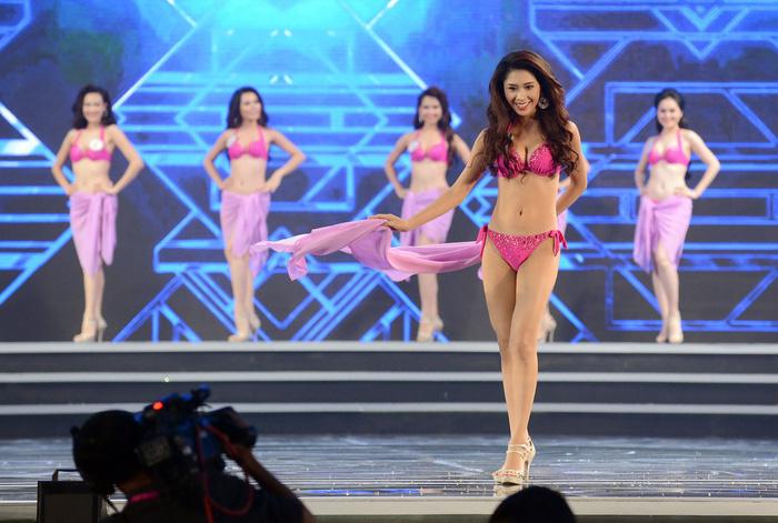 Có nên bỏ phần trình diễn bikini trong các cuộc thi sắc đẹp? - Ảnh 1.