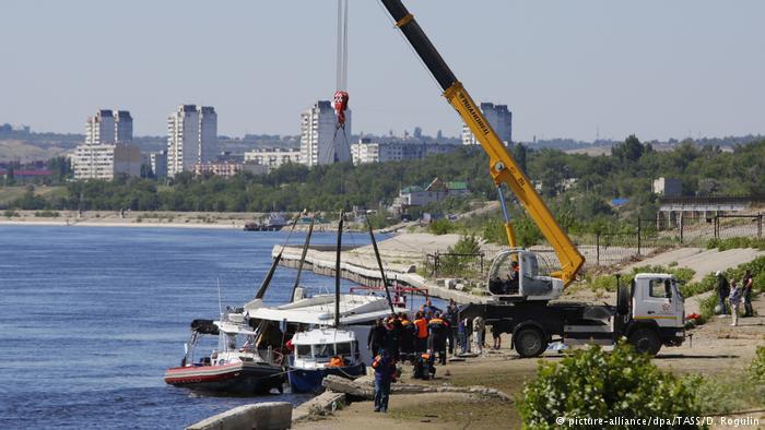 Tàu đâm sà lan trên sông Volga, 11 người thiệt mạng - Ảnh 1.