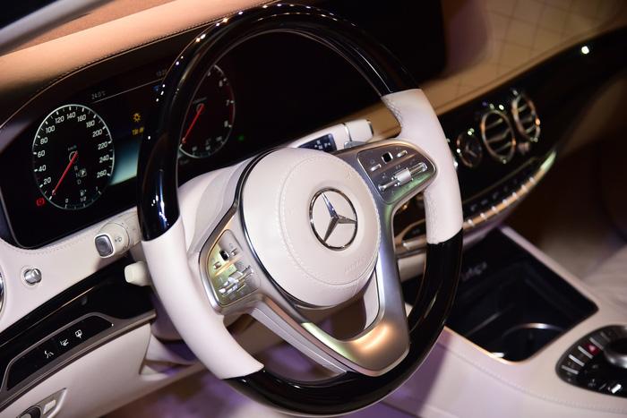 Mercedes-Benz ra mắt S-Class mới tại Việt Nam, đã có 100 lượt mua - Ảnh 2.