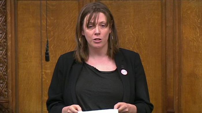 Nữ nghị sĩ Anh kêu gọi ban hành luật mới vì bị dọa hiếp 600 lần 1 đêm - Ảnh 1.