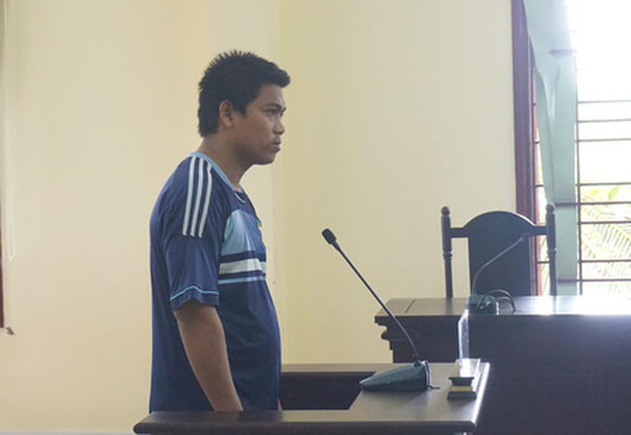 10 năm tù cho thanh niên hiếp dâm cháu họ - Ảnh 1.
