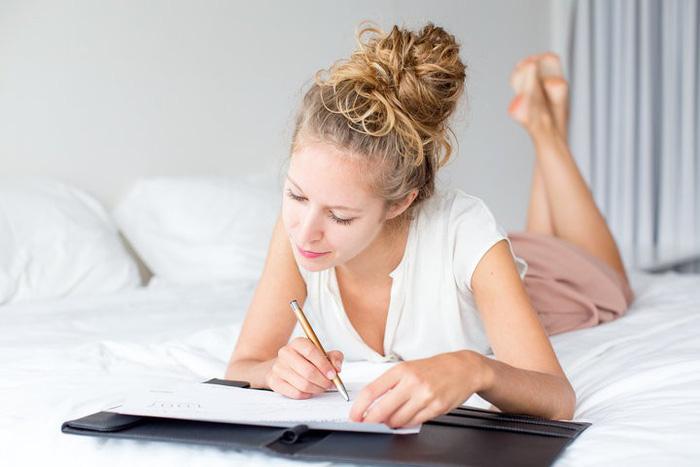 9 thói quen có thể làm hỏng giấc ngủ ngon của bạn - Ảnh 9.