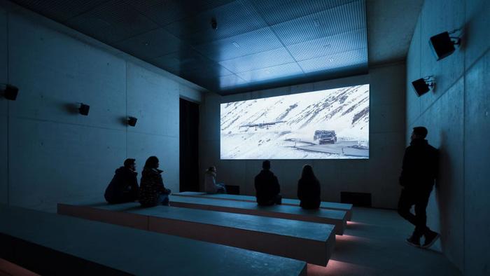 Bảo tàng James Bond trên núi Alps - bối cảnh phim Spectre - Ảnh 4.