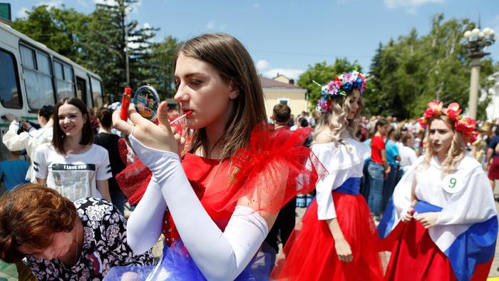 Nghị sĩ Duma khuyên gái Nga không 'ngủ' với trai ngoại mùa World Cup - Ảnh 2.