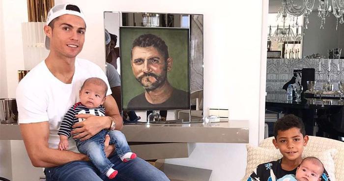 Suýt nữa siêu sao Ronaldo không thể ra đời bởi mẹ anh muốn phá thai - Ảnh 8.