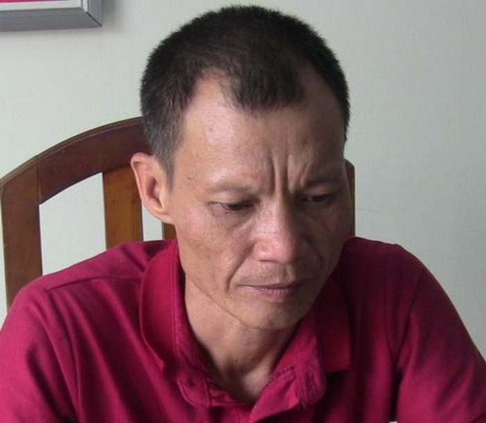 Khởi tố hai người đàn ông kích động đập phá xe chở du khách Trung Quốc tại Nha Trang