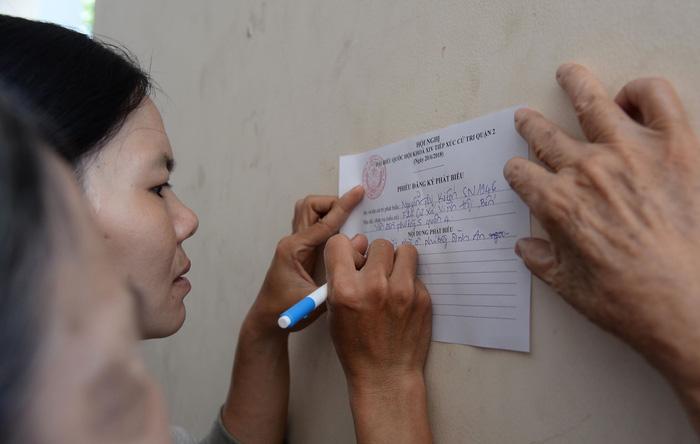 Hàng trăm cử tri Thủ Thiêm dự tiếp xúc với Bí thư Nguyễn Thiện Nhân - Ảnh 6.