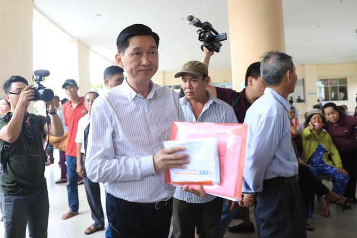 Hàng trăm cử tri Thủ Thiêm dự tiếp xúc với Bí thư Nguyễn Thiện Nhân - Ảnh 3.