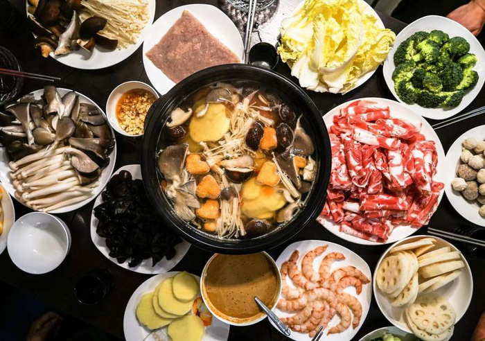Quán lẩu Trung Quốc sập tiệm vì khách ăn quá nhiều - Ảnh 1.
