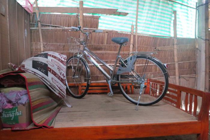 Chiếc xe đạp ngự trên giường của cậu học trò nghèo - Ảnh 3.