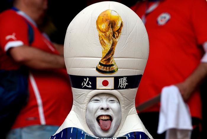 Fan World Cup ấn tượng với khuôn mặt nhiều sắc màu - Ảnh 16.