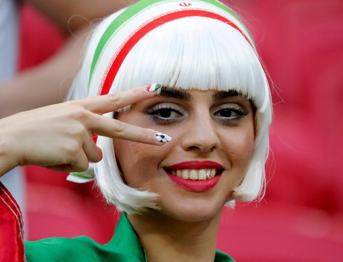 Fan World Cup ấn tượng với khuôn mặt nhiều sắc màu - Ảnh 7.