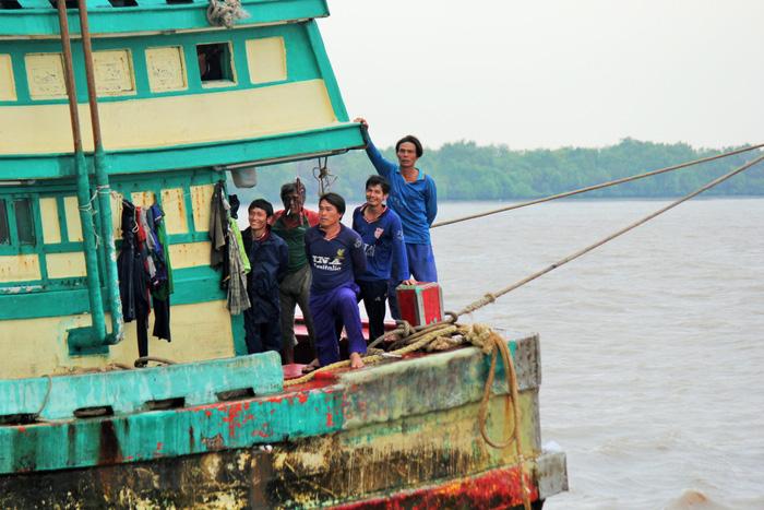 Tàu cá đói lao động - Ảnh 3.