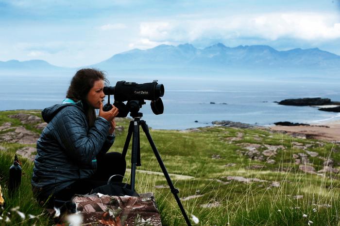 Đến đảo Scotland khám phá sự sống hươu đỏ - Ảnh 6.