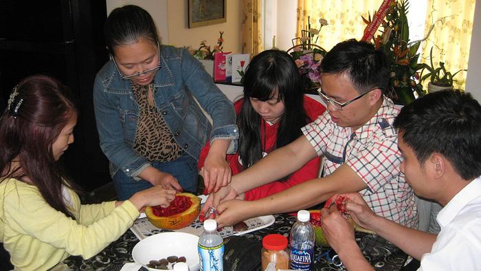 Nữ tiến sĩ gốc Việt mê đắm gấc: Nên dùng như uống cà phê hàng ngày - Ảnh 2.