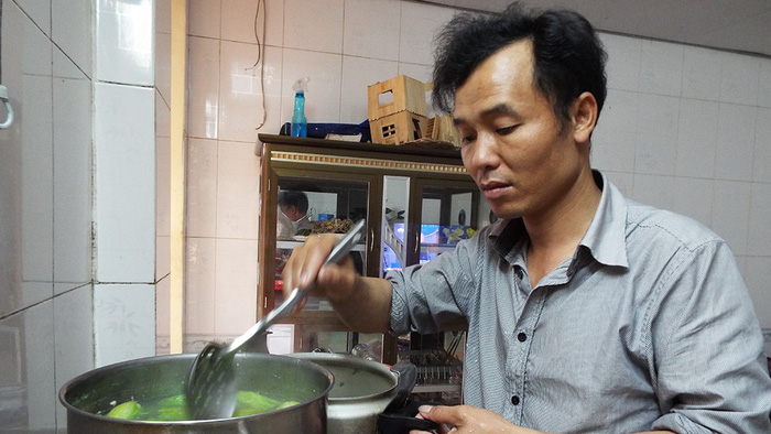 Chồng vào bếp: thêm gia vị tình yêu cho bữa cơm nhà - Ảnh 1.