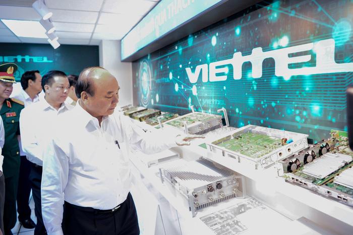 Thủ tướng: Đất nước cần nhiều doanh nghiệp như Viettel hơn nữa - Ảnh 2.