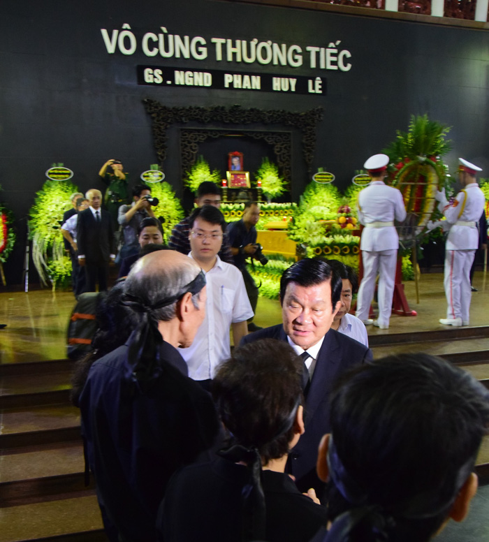 Tiễn đưa giáo sư Phan Huy Lê - người thầy của những người thầy - Ảnh 5.