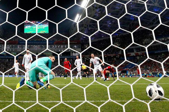 Những khoảnh khắc tràn đầy cảm hứng thể thao vòng bảng World Cup - Ảnh 15.