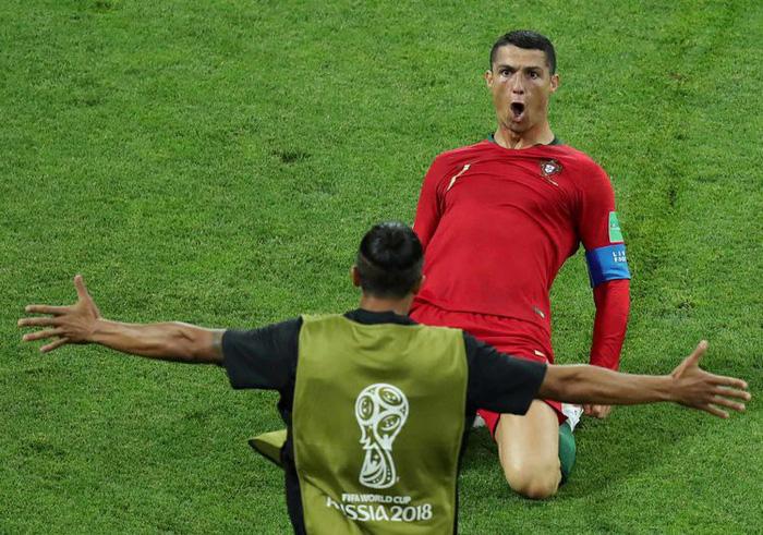 Những khoảnh khắc tràn đầy cảm hứng thể thao vòng bảng World Cup - Ảnh 18.