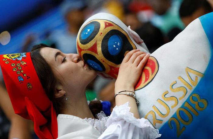 Những khoảnh khắc tràn đầy cảm hứng thể thao vòng bảng World Cup - Ảnh 19.