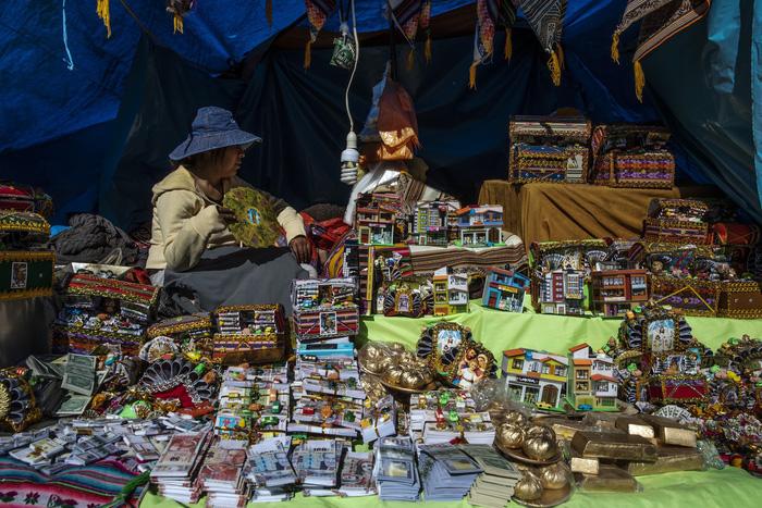 Rực rỡ sắc màu tại lễ hội tuyết và sao ở Peru - Ảnh 10.
