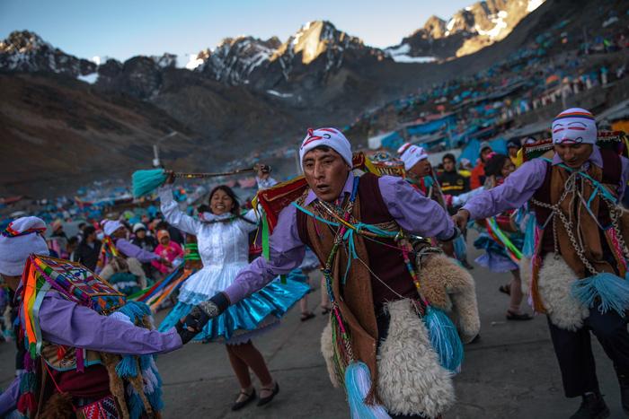 Rực rỡ sắc màu tại lễ hội tuyết và sao ở Peru - Ảnh 14.