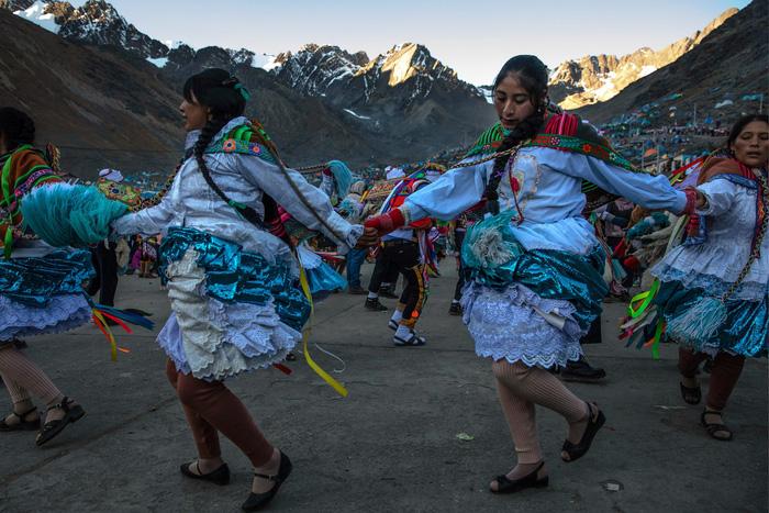 Rực rỡ sắc màu tại lễ hội tuyết và sao ở Peru - Ảnh 2.