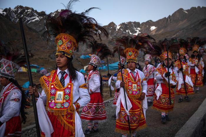 Rực rỡ sắc màu tại lễ hội tuyết và sao ở Peru - Ảnh 6.