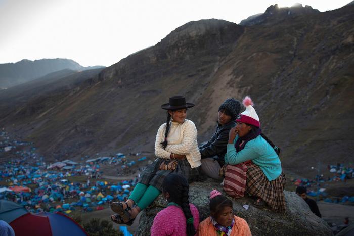 Rực rỡ sắc màu tại lễ hội tuyết và sao ở Peru - Ảnh 7.