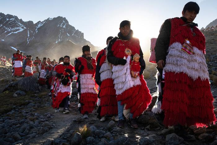 Rực rỡ sắc màu tại lễ hội tuyết và sao ở Peru - Ảnh 8.