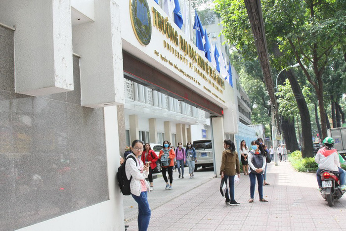 Yêu cầu 3 trường đại học tự chủ bỏ cơ quan chủ quản - Ảnh 1.