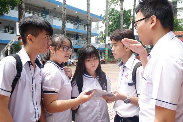 Sự kỳ vọng là áp lực hay động lực vào đề thi văn lớp 10 chuyên - Ảnh 3.