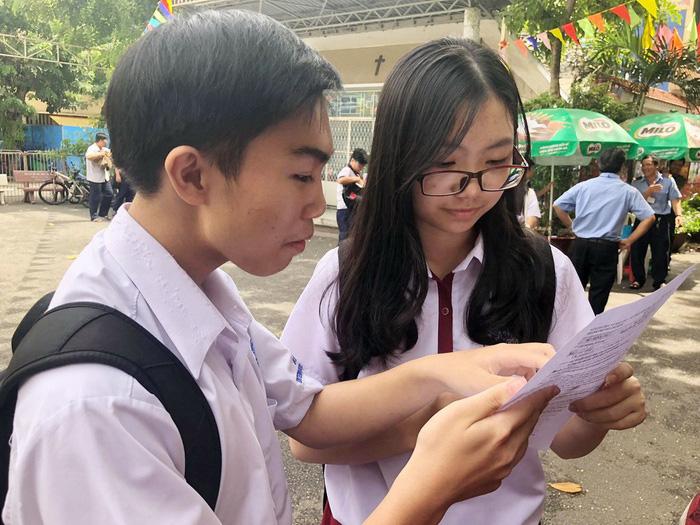 Thí sinh thi lớp 10 TP.HCM nói đề toán bình thường nhưng dài - Ảnh 6.