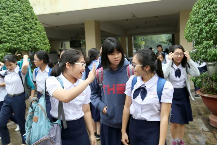 Băn khoăn đáp án thi tuyển sinh lớp 10 TP.HCM - Ảnh 1.