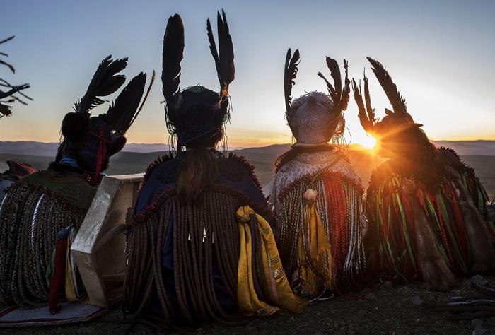 Đến Mông Cổ xem nghi thức pháp sư đón mùa hè - Ảnh 1.