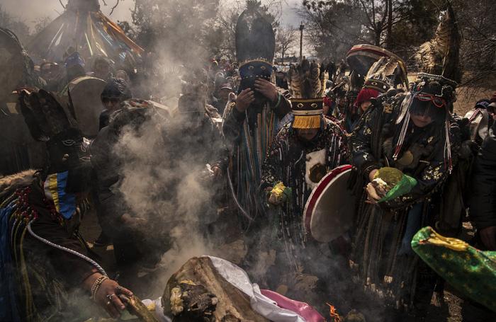 Đến Mông Cổ xem nghi thức pháp sư đón mùa hè - Ảnh 10.