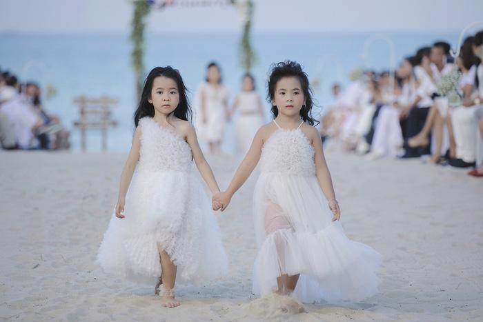 bst-ruby-midu-day-an-tuong-voi-nhung-thiet-ke-vay-cong-chua-dam-chat-co-tich11-15303514389731975306130.jpeg