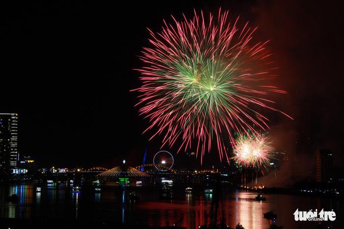 Ý chiến thắng lễ hội pháo hoa quốc tế Đà Nẵng 2018 - Ảnh 8.