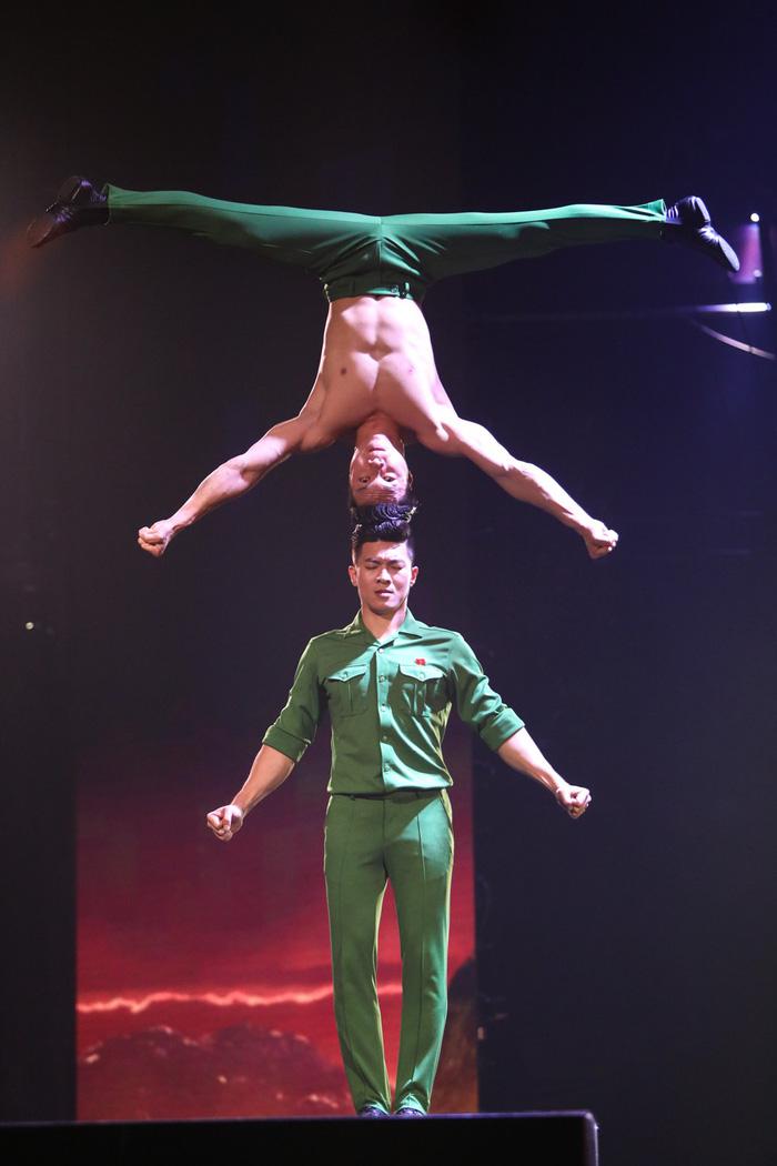 Quốc Cơ, Quốc Nghiệp nhảy mạo hiểm nhưng vẫn trắng tay ở chung kết BGT 2018 - Ảnh 3.